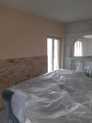 Malerarbeit Wohnraum vorher
